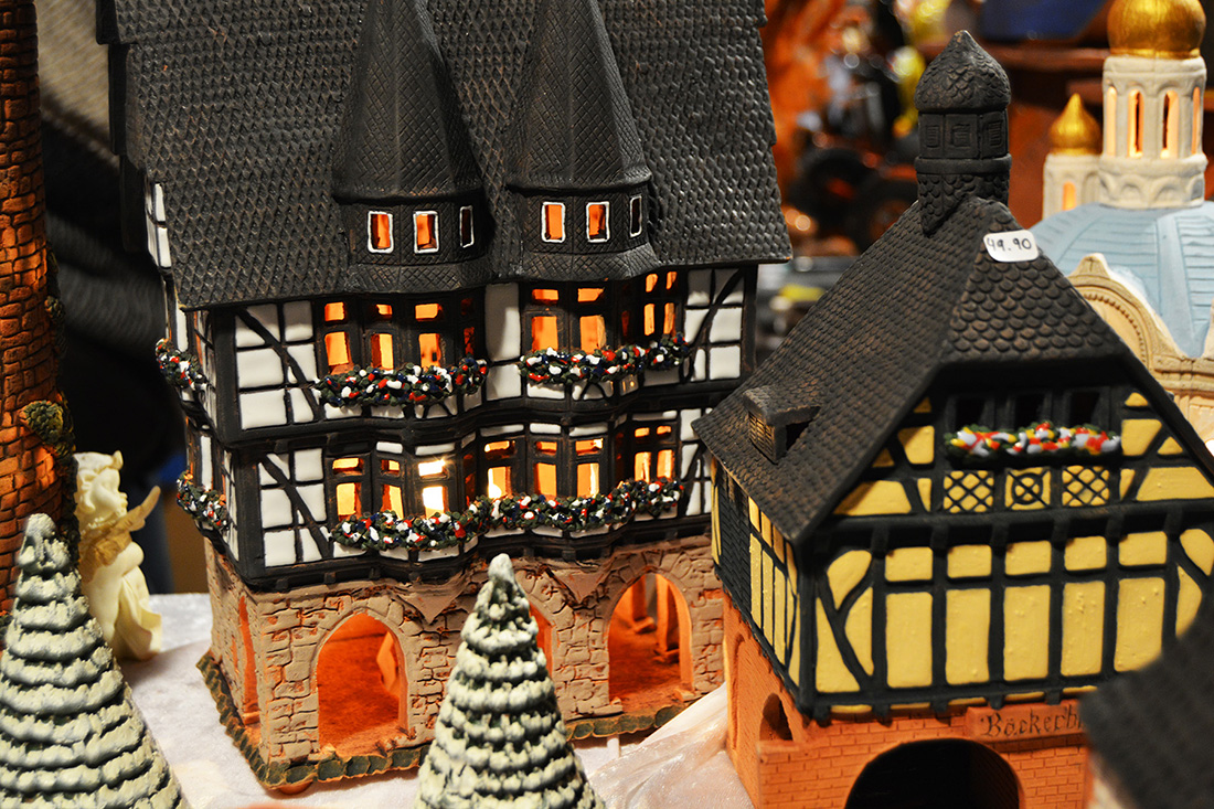 10 Classic Gifts Found At German Christmas Markets | 1100 x 733 jpeg 449kB