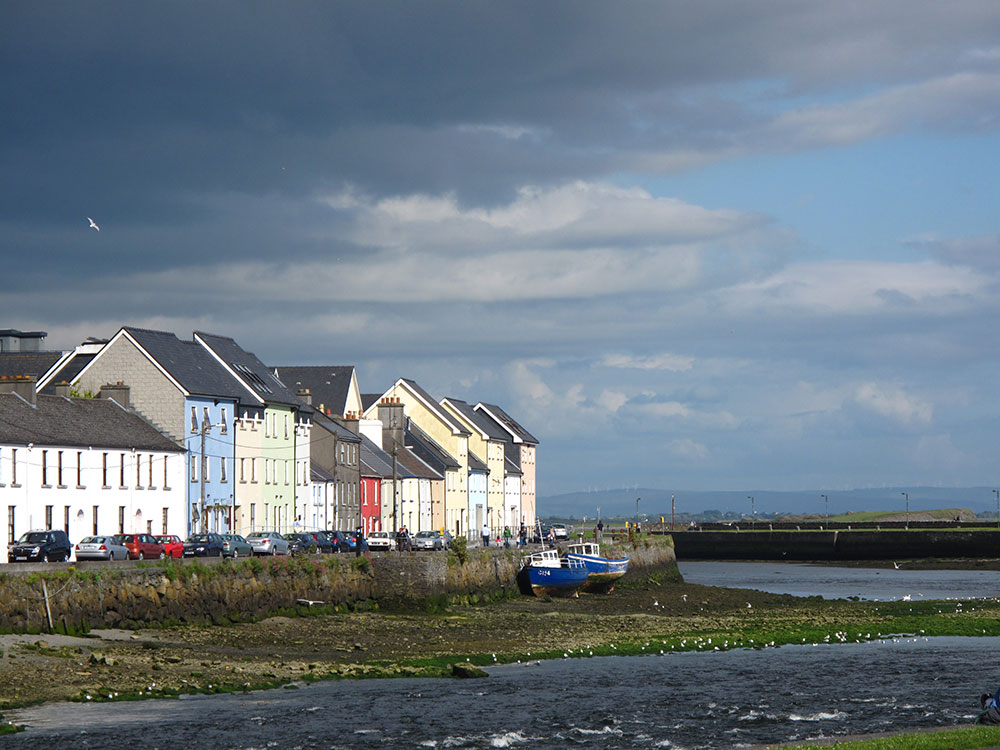 Road Trip in Ireland - Galway Bay