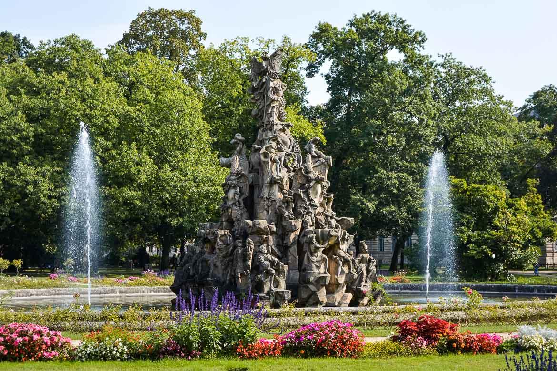 Erlangen Travel Guide - Schlossgarten