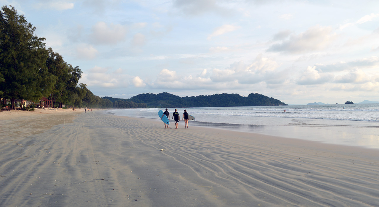 Koh Phayam Travel Guide - beach
